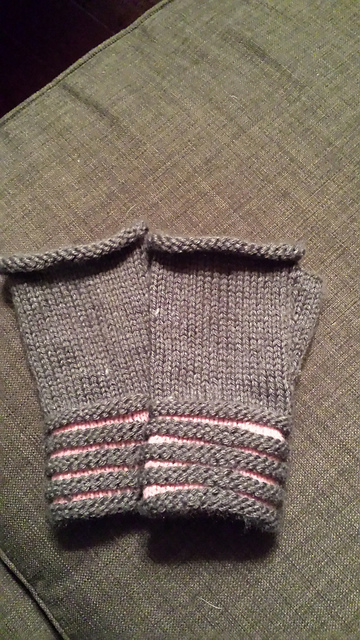 Pinkandgray_welted_fingerless_mitts_medium2